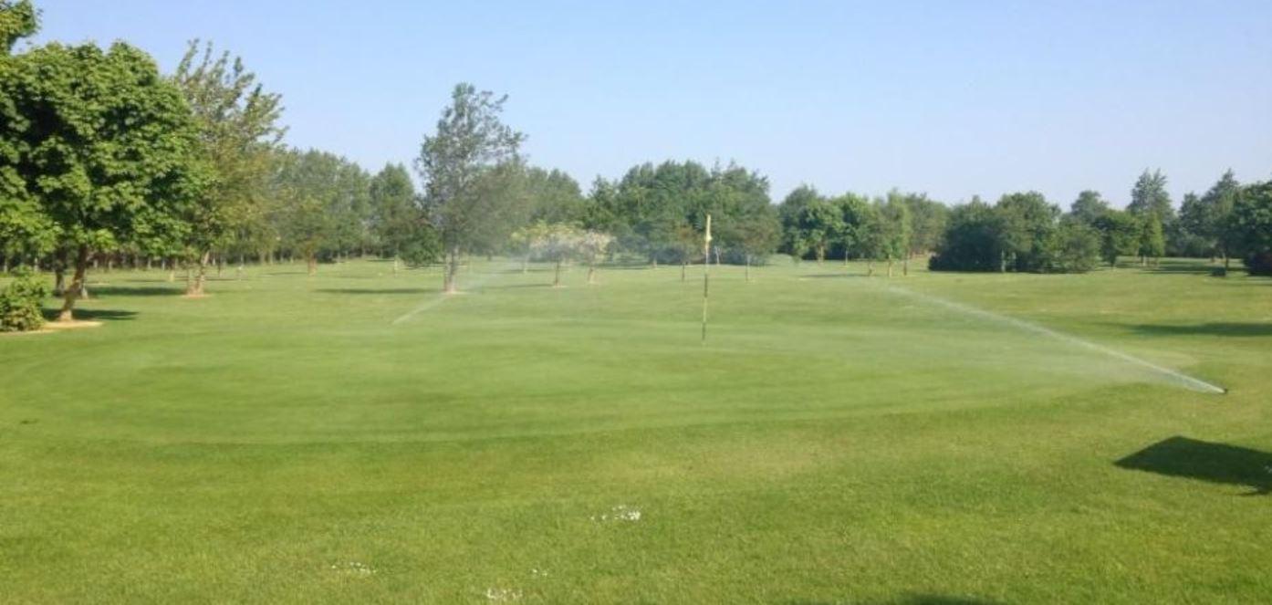Par 3 Golf Clubs