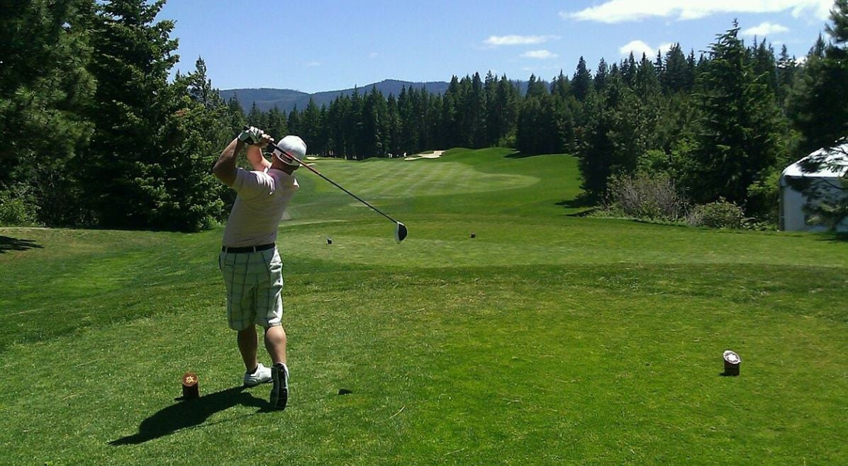 Benefits Of Golf For Senior Players – (MUST READ Before You Buy)